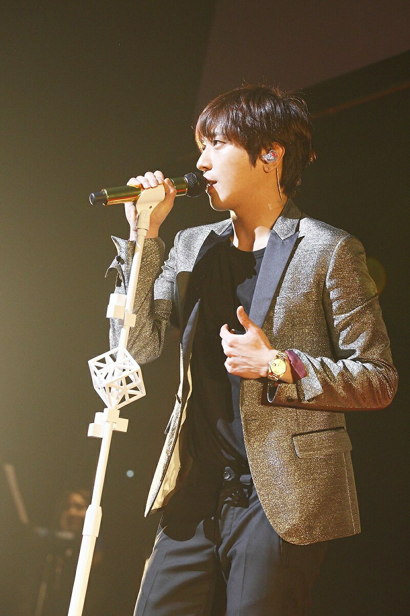 "JUNG YONG HWA 1st CONCERT in JAPAN""One Fine Day"" Live at BUDOKAN画像"