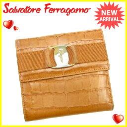 Salvatore Ferragamo【サルヴァトーレフェラガモ】 三つ折り財布(小銭入れあり) /型押しレザー レディース
