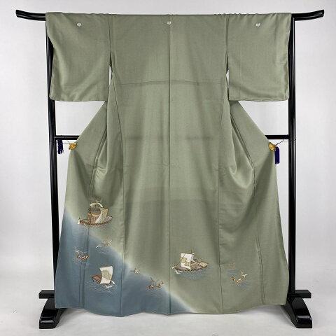 色留袖 美品 秀品 五つ紋 船 葉柄 金彩 よもぎ色 袷 身丈166.5cm 裄丈66cm M 化繊 【中古】