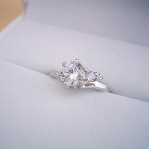 low priced 9a70e e164c ティファニー 婚約指輪 リング・指輪 通販・価格比較 - 価格.com