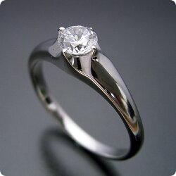 雫の王冠をイメージした婚約指輪