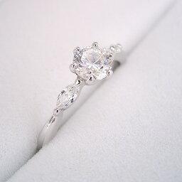 【婚約指輪】エンゲージリング【0.3カラット】一粒【0.3ct】ダイヤモンド【ブライダルジュエリー】プラチナ【結婚指輪】マリッジリング【左右のダイヤモンドの形が違う、ちょっと珍しい婚約指輪】0.3カラット・Fカラー・VS1クラス・Goodカット【宝石鑑定書付き】