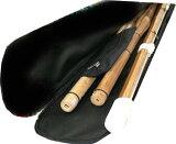 剣道 竹刀袋 入荷しました! 刺繍3文字まで無料!オリジナル竹刀袋 28〜39サイズまで対応 肩掛け付き アジャスター付きなので長さが調整できます。竹刀の出し入れがしやすいよう大きく口が開くのが特徴!重さ460g位 剣道着/防具/竹刀/小手なら武道園