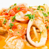 魚介とクリームの濃厚な旨味トマトクリーム生タリオリーニ