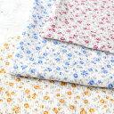 クラフトショップ ポピーで買える「マスク生地 夏用 涼しい 高島ちぢみ 小花柄 110cm巾 (10cm ¥110 50cm(5)より カットいたします。)」の画像です。価格は110円になります。
