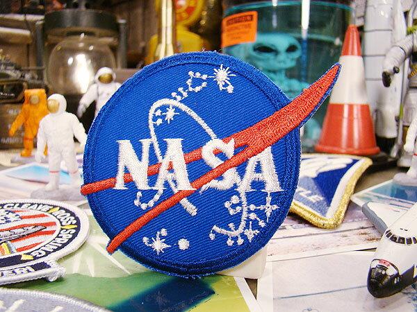 NASAワッペン(NASAアース・ブルー) ■ こだわり派が夢中になる!人気のアメリカ雑貨屋 アメリカン雑貨 おしゃれ アルファベット エンブレム アイロン 手芸 クラフト パッチ 人気 刺繍 接着 カッコイイ 企業ロゴ ガレージ