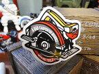 コトワザステッカー(下手な大工は道具に難癖をつける) ■ 自分仕様だから愛着も強くなる! こだわり派が夢中になる人気のアメリカ雑貨屋 ステッカー おしゃれ おもしろ アメリカン雑貨 車 バイク スーツケース デカール シール オリジナル アルファベット レトロ