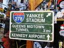 ニューヨークのフリーウェイ道路標識のU.S.ヘヴィースチールサイン ■...