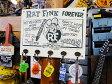 コレがあるだけで断然アメリカンガレージ! ラットフィンクのウッドフックボード(ホワイト) ■ アメリカ雑貨 アメリカン雑貨 カントリー雑貨 壁掛け 壁付け 木製 カギ掛け インテリア雑貨 生活雑貨 こだわり派が夢中になるアメリカ雑貨屋 通販 人気 鍵かけ 壁
