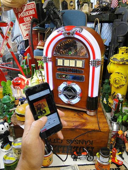 【全国送料無料】オールディーズジュークボックスCDプレーヤーロンドン(iPhone/iPod/スマホ各種対応)★アメリカン雑貨★アメリカ雑貨