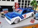 Jada 1973年ダットサン510 ワイドボディのダイキャストモデルカー 1/24スケール(ブルー) ■ ミニカー アメ車 アメリカ雑貨 アメリカン雑貨 アメリカ
