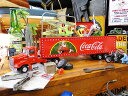 コカ・コーラ ホリデーキャラバンのトレーラーのダイキャストモデルカー 1/43スケール ■ コカコーラグッズ ミニカー 雑貨 グッズ ブランド Coca-Cola アメリカ雑貨 アメリカン雑貨 アメ車 コーラ 置物 インテリア おしゃれ 人気 小物
