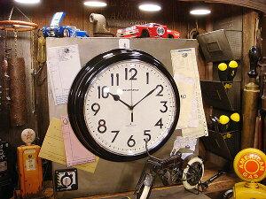 見た目は昔ながらのレトロな時計だけど、実は電波時計という高性能ぶり!レトロウェーブトラン...