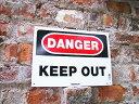 アメリカのデンジャーサインボード(KEEP OUT) ■ 人気のアメリカ雑貨屋 アメリカ看板 サインボード 標識 アメリカ 雑貨 アメリカン雑貨 おしゃれ 壁面