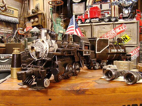 ユニオンパシフィック鉄道の蒸気機関車のブリキオブジェ★アメリカ雑貨★アメリカン雑貨
