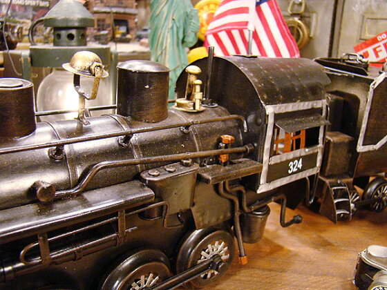 ユニオンパシフィック鉄道の蒸気機関車のブリキオブジェ■こだわり派が夢中になる人気のアメリカ雑貨屋通販アメリカ雑貨アメリカン雑貨インテリア雑貨カッコイイ男の部屋!おしゃれ生活雑貨置物小物模型おもちゃアンティーク風ミニカー