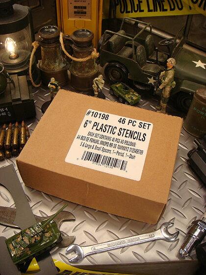 HANSON社プラスチック・ステンシルプレート46ピース英数字セット(6インチ)