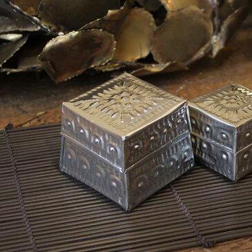 フタつき 小物入れ シルバー アルミ 缶 四角型 W6cm アジアン エスニック バリ お土産