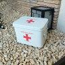 【送料無料】 在庫処分 雑貨 ブリキ缶 救急箱 MEDICINE CABINET Mサイズ オシャレ お洒落 かわいい 可愛い ホワイト white JPN ジェーピーエヌ JQ-KZSYJ-W-M
