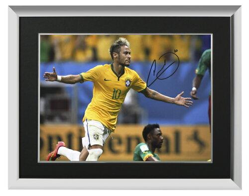 ネイマール 直筆サインフォト ブラジル代表 ワールドカップ vs カメルーン 額入り Signed Brazil P...