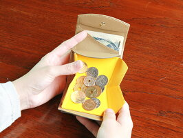 三つ折り財布/小銭入れ/小型/財布/レザー/ウォレット/世界に例を見ない、全く新しい「ハンモック構造」