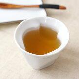 壷が浮かび上がる湯呑み湯呑湯飲み湯のみオシャレ白い食器テーマは自然プレゼントにもおすすめ和食器国産美濃焼