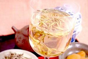 送料無料!弱発酵茶。茶葉が白い産毛に包まれている姿からこの名がつけられ、白茶の中でも、新...