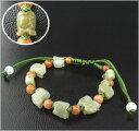 10  豚と宝玉の翡翠 紐ブレスレット (紐:黄緑)※天然石のため、自...