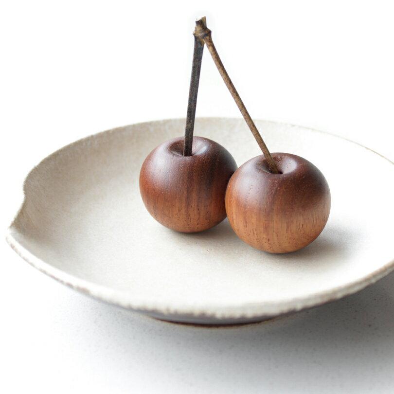さくらんぼペーパーウェイト手のひらサイズオブジェ木製ハンドメイド文鎮置物おしゃれ天然木チェリー日本製