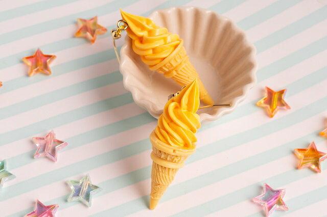 食品サンプル グッズ アクセサリー・ピアス ソフトクリーム オレンジ アイス