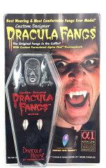 ハリウッドの撮影などでも使われている歯科医療用の素材を使用した本格派の成型八重歯ドラキュ...