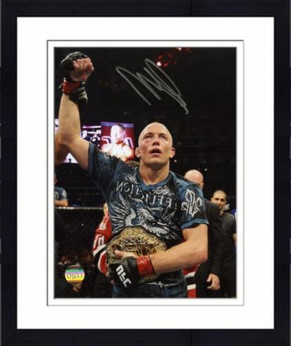 【直筆サイン入り】Framed Georges St-Pierre Autographed Photograph 第6、8代UFC世界ウェルター級王者ジョルジュ・サンピエールの直筆サイン付き額入りフォト