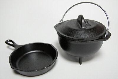 【ダッチオーブン】(LODGE・ロッジ)なら当店にお任せ下さい。最初から真っ黒け!の鉄鍋登場LO...