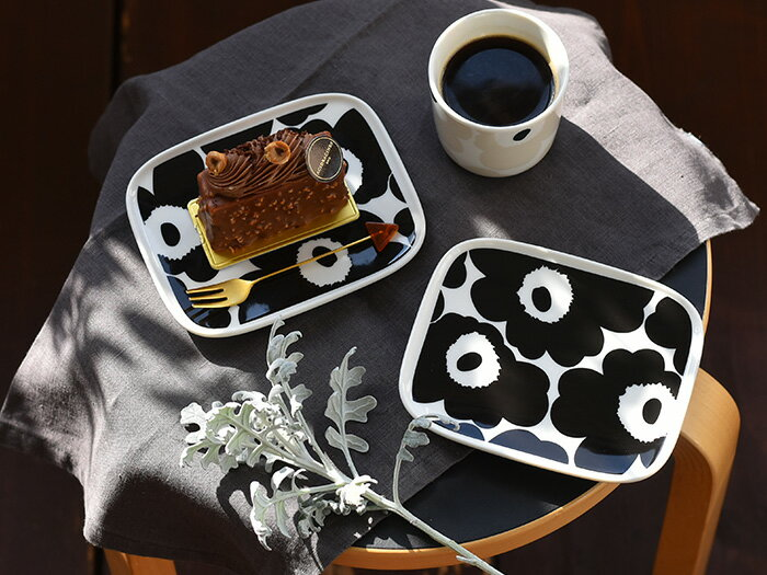 マリメッコ プレート お皿 ウニッコ 北欧デザイン marimekko UNIKKO ブラック ワントーン うつわ ケーキ皿 取り皿 食器 北欧 北欧食器 【ギフト】