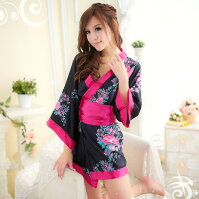 黒×ピンク・大きなリボンが可愛い艶やかミニ着物