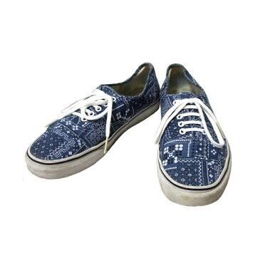 VANS ヴァンズ 「USA12」 スカーフ柄デッキスニーカー (ブルー シューズ 靴 バンズ) 107581 【中古】