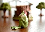 寝てるカエル Copeau コポー 【 クッチーナ 】 カエル グッズ 置物 玄関 ナチュラル 雑貨 お昼寝 おひるね インテリア オーナメント マスコット ギフト プレゼント 贈り物 かわいい おしゃれ