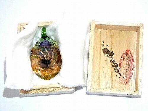 『FrogintheShell参』【kengtaro/ケンタロー】ペンダントトップアクセサリージュエリー個性的プレゼントボロシリケイトガラス芸術ハンドメイド蛙かえるフロッグ特別人気マーブル技術綺麗可愛い作家硝子かわいい小物frogglass♪♪