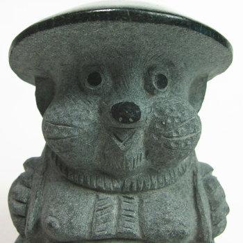 緑みかげ石福たぬき(Mサイズ・新作)《石の狸》