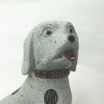 白みかげ石犬