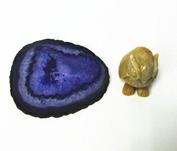 イエロージェイドフクロウ(メノウ台付き)《石ふくろう》《石の置物》