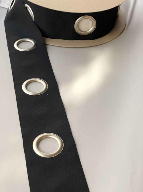 ハトメテープ 105mm 40φ チャコールグレー(ほぼブラック) 【1mあたりのお値段です】