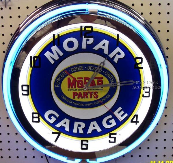 モパー18インチ ネオン付き掛け時計[アメリカ直輸入][プレゼントに大人気][送料無料][アメ車][逆輸入車][デイブレイク]