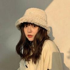 【即納あり】モコモコボア帽子バケットハットワンポイントロゴベージュブラックダンス衣装ヒップホップコスチューム韓国ファッション大きいサイズ個性的服原宿系