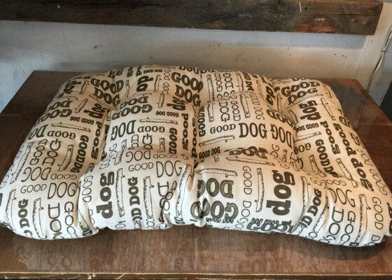【送料無料!!】GEORGEジョージGood Dog StickマットレスMサイズ【北海道内翌日午前着】【関東中1日、関西中2日】【12時まで受付で即日発送】