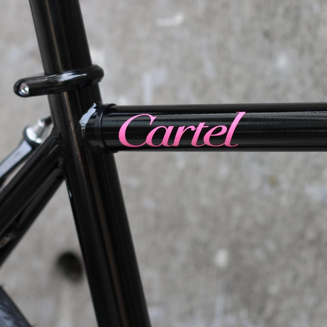 CARTELBIKES(カーテルバイク)『rueMatBlackPISTBIKE』