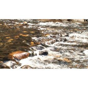 洗浄に使う水は銘水百選にも選ばれた御岳昇仙峡と同じ源泉の水を使用。