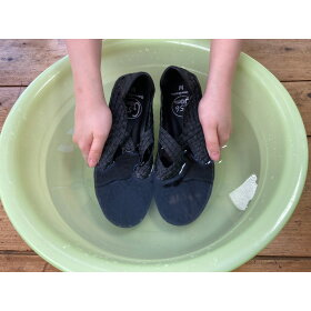 汚れやニオイが気になったら丸洗い可能。素足でガンガン履けます。※洗濯機、乾燥機は使用しないでください。