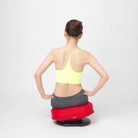 傾斜がついているので、座ると自然と骨盤がたった姿勢に