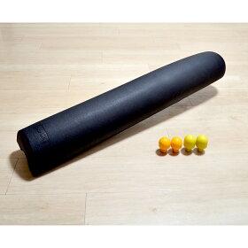 大小の「押し球」をセット。これを裏側にセットすると、ガチガチに凝り固まった肩や腰の筋肉のケアにも!